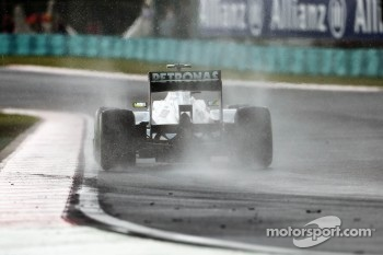 Nico Rosberg, Mercedes AMG F1 in the wet