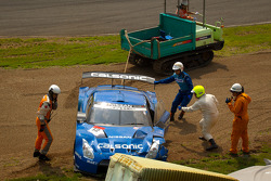 #12 Team Impul Nissan GT-R: Joao Paulo de Oliveira, Tsugio Matsuda after the start crash