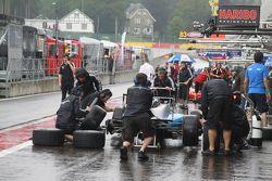 Pre race start pits panic