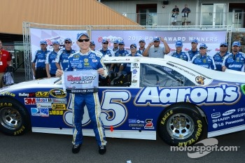 Pole winner Mark Martin, Michael Waltrip Racing Toyota