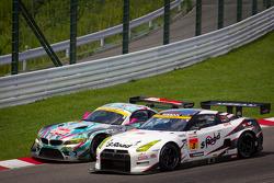 GT300 start: #0 GSR&Studie with Team Ukyo BMW Z4 GT3: Nobuteru Taniguchi, Tatsuya Kataoka and #3 NDDP Racing Nissan GT-R Nismo GT3: Yuhi Sekiguchi, Katsumasa Chiyo, Daiki Sasaki