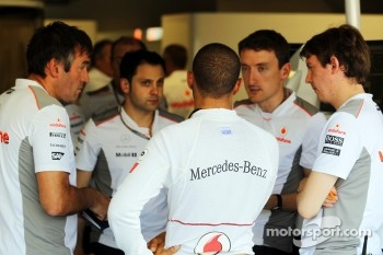 Lewis Hamilton, McLaren with the team
