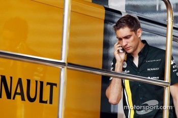 Vitaly Petrov, Caterham