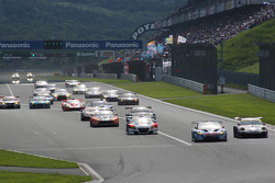 GT300 start: #31 APR Toyota Prius: Morio Nitta, Koki Saga leads #33 Hankook KTR Porsche 911 GT3 R: Masami Kageyama, Tomonobu Fujii