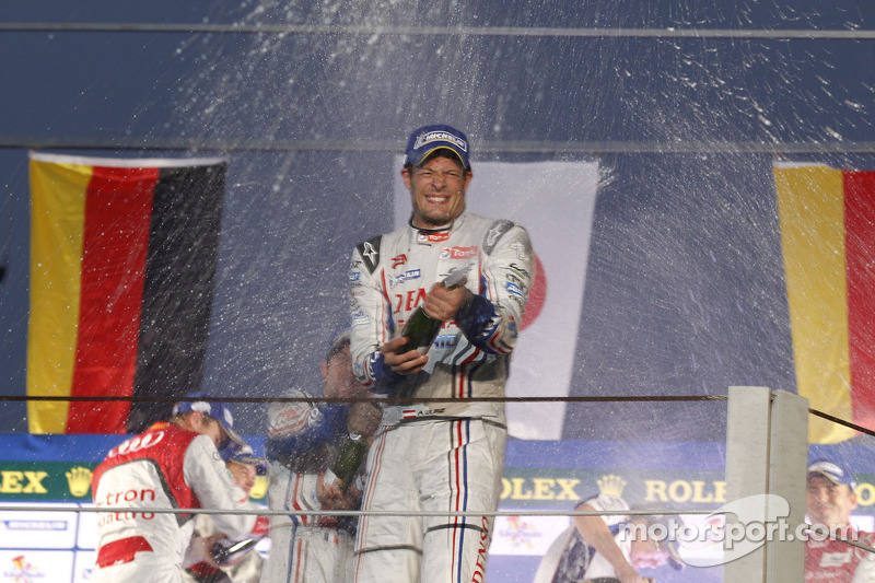 Podium: race winner Alexander Wurz