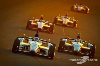 Katherine Legge, Dragon Racing Chevrolet, Josef Newgarden, Sarah Fisher Hartman Racing Honda