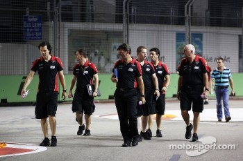 Marc Hynes, Marussia F1 Team Driver Coach, walks the circuit with Graeme Lowdon, Marussia F1 Team Chief Executive Officer
