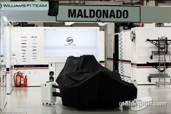 Pit garage of Pastor Maldonado, Williams