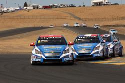Alain Menu, Chevrolet Cruze 1.6T, Chevrolet, Yvan Muller, Chevrolet Cruze 1.6T, Chevrolet and Robert Huff, Chevrolet Cruze 1.6T, Chevrolet