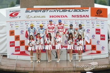GT500 podium: winners Masataka Yanagida, Ronnie Quintarelli, second place Ryo Michigami, Yuki Nakayama, third place Seiji Ara, Andre Couto