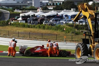 Fernando Alonso, Ferrari crashed out at the start of the race
