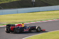 Mark Webber, Red Bull Racing restarts back into the race