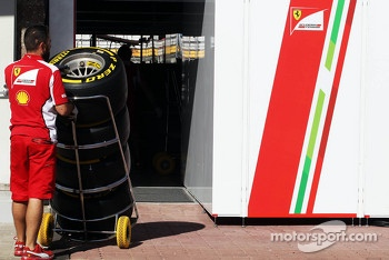 Ferrari mechanic with Pirelli tyres