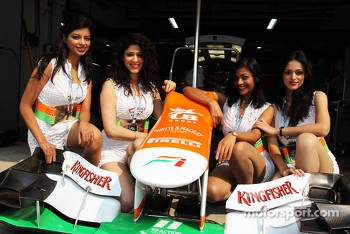 Kingfisher Speed Divas with the Sahara Force India F1