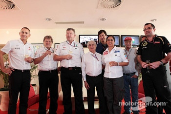 Bernie Ecclestone, CEO Formula One Group, celebrates his 82nd birthday with team personnel, McLaren Chief Executive Officer; Norbert Haug, Mercedes Sporting Director; Ross Brawn, Mercedes AMG F1 Team Principal; Toto Wolff, Williams Chief Executive Officer