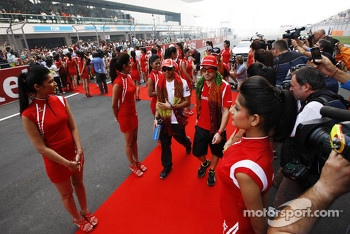 Lewis Hamilton, McLaren with Fernando Alonso, Ferrari on the drivers parade