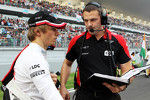 charles-pic-marussia-f1-team-on-the-grid