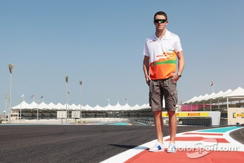 Paul di Resta, Sahara Force India F1 walks the circuit
