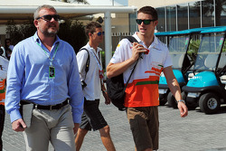 Paul di Resta, Sahara Force India F1 with Richard Goddard, Driver Manager