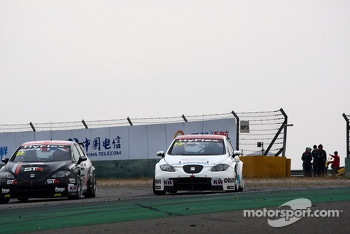 Tom Boardman, SEAT Leon WTCC,  Special Tuning Racing and Fredy Barth, SEAT Leon WTCC, SUNRED Engineering