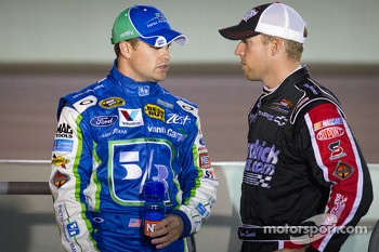 Ricky Stenhouse Jr., Roush Fenway Racing Ford and Regan Smith, Phoenix Racing Chevrolet