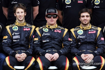 Romain Grosjean, Lotus F1 Team; Kimi Raikkonen, Lotus F1 Team and Jrme d'Ambrosio, Lotus F1 Team Third Driver at a team photograph