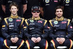 Romain Grosjean, Lotus F1 Team; Kimi Raikkonen, Lotus F1 Team and Jérôme d'Ambrosio, Lotus F1 Team Third Driver at a team photograph