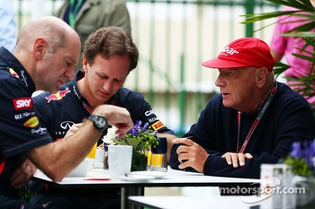 Adrian Newey, Red Bull Racing Chief Technical Officer with Christian Horner, Red Bull Racing Team Principal and Niki Lauda, Mercedes Non-Executive Chairman