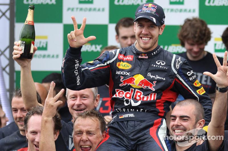 Sebastian Vettel, Red Bull Racing celebrates with the team