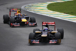 Daniel Ricciardo, Scuderia Toro Rosso leads Mark Webber, Red Bull Racing