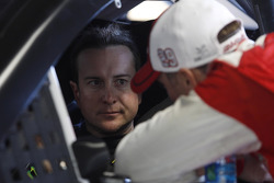 Kurt Busch, Furniture Row Racing Chevrolet and Kevin Harvick, Richard Childress Racing Chevrolet