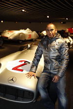 lewis-hamilton-mercedes-gp-visits-the-mercedes-headquarters-7