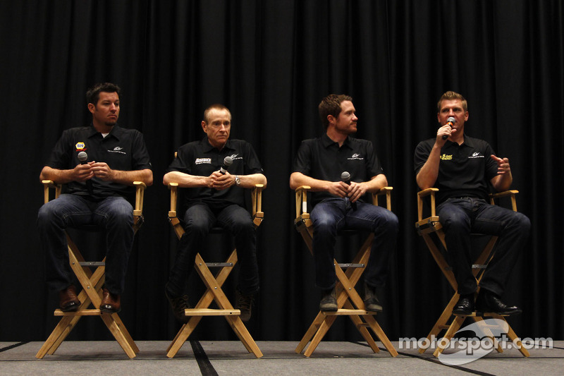 Martin Truex Jr., Mark Martin, Brian Vickers and Clint Bowyer, Michael Waltrip Racing Toyota