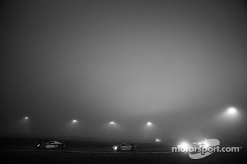 Race action in a heavy morning fog