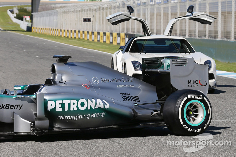The new Mercedes AMG F1 W04 rear suspension detail