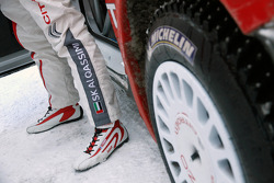 Khalid Al Qassimi wears Sébastien Ogier's old Citroën shoes