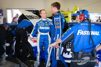 Mark Martin, Michael Waltrip Racing Toyota and Carl Edwards, Roush Fenway Racing Ford after the crash