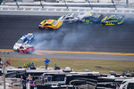 Trevor Bayne, Wood Brothers Racing Ford, Carl Edwards, Roush Fenway Racing Ford, David Gilliland, Front Row Motorsports Ford, Terry Labonte, Stoddard Ford, David Ragan, Front Row Motorsports Ford, Ricky Stenhouse Jr., Roush Fenway Racing Ford crash