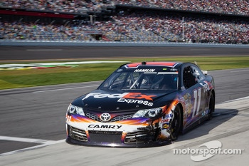 Denny Hamlin, Joe Gibbs Racing Toyota back in the pits with damage