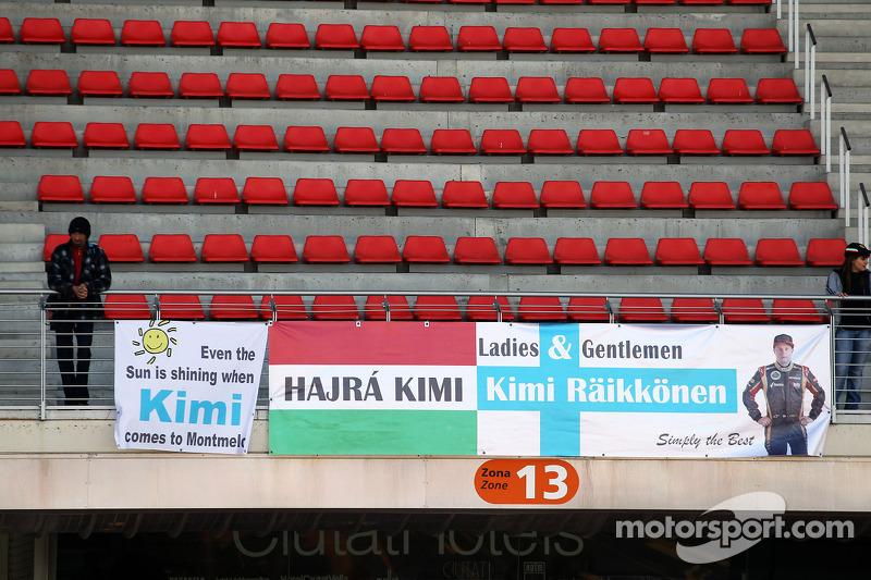 Banners for Kimi Raikkonen, Lotus F1 Team