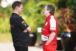 Alan Permane, Lotus F1 Team Trackside Operations Director with Pat Fry, Ferrari Deputy Technical Director and Head of Race Engineering