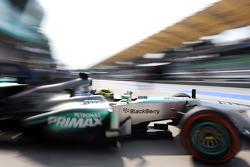 Nico Rosberg, Mercedes AMG F1 W04 leaves the pits