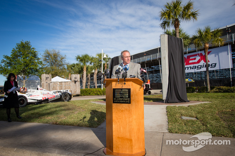 Dan Wheldon Memorial and Victory Circle unveiling ceremony: President of Race Operations of IndyCar Brian Barnhart