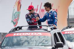 Marco Andretti, Andretti Autosport Chevrolet and Sebastian Saavedra, Dragon Racing Chevrolet