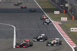 Sergio Perez, McLaren MP4-28 and Paul di Resta, Sahara Force India VJM06