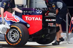 Sebastian Vettel, Red Bull Racing RB9 rear wing
