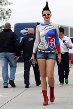 girl-in-the-paddock-161