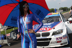 Liqui Moly girl and Franz Engstler, BMW E90 320 TC, Liqui Moly Team