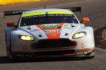 97-aston-martin-racing-aston-martin-vantage-v8-darren-turner-stefan-m-cke-peter-dumbr-2