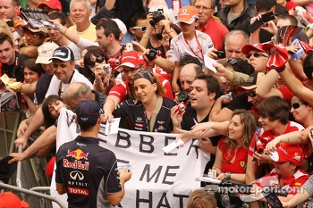 Mark Webber, Red Bull Racing signs autographs for the fans